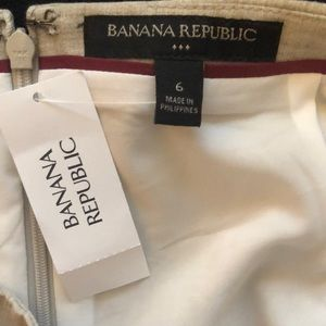 Banana Republic Skirts - Banana Republic Tan pencil skirt